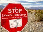 ingo70shutterstock-papan-peringatan-mengenai-panas-ekstrem-di-death-valley-california.jpg