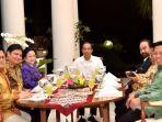jokowi-unggah-melalui-instagram-acara-makam-malam-bersama-ketua-umum-partai-pendukung_20180724_062227.jpg