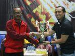 juara-turnamen-bulutangkis-migas-cup-musim-lalu-pt-badak-ngl.jpg