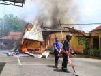 kantor-perkim-samarinda-kebakaran_20180101_140435.jpg