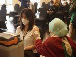 karyawan-ikut-vaksinasi-massal.jpg