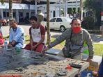 kasat-reskrim-polres-lombok-tengah-akp-priyo-suhartono-sik-saat-menolak-laporan.jpg