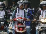 kaskuscoid-via-tribunmedan-ilustrasi-wanita-hijab-naik-motor.jpg