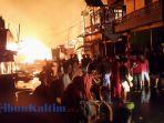 kebakaran-hebat-terjadi-di-kawasan-pasar-sangatta-lama-selasa-372018_20180703_061651.jpg