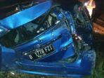 kecelakaan-mobil-tertabrak-kereta-di-perlintasan-sebidang-cibitung-fix-2.jpg
