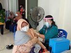 kegiatan-vaksinasi-massal-oleh-satgas-covid-19-di-islamic-center-nunukan-belum.jpg