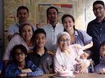 keluarga-ratna-sarumpaet_20181007_101730.jpg