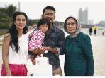 keluarga-rio-dewanto_20181003_160218.jpg