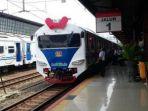 kereta-api-indonesia_20170322_105435.jpg