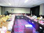 komisi-2-bahas-nasib-pt-agro.jpg