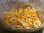 kompascomsri-noviyanti-ilustrasi-popcorn.jpg