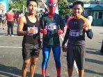 kostum-spiderman-27102019.jpg<pf>pakai-kostum-spiderman.jpg