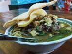kuliner-khas-banyuwangi-rujak-soto-tribuntravelcomarif-setyabudi.jpg