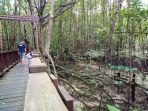 lokasi-ekowisata-mangrove-di-graha-indah-wisatawan-dari-bitung.jpg