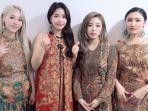 mamamoo-konser-kenakan-busana-batik-moonbyul-dan-hwasa-jadi-trending-topic-twitter.jpg