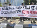 masyarakat-bersatu-pro-pemekaran-menuntut-pemekaran-kabupaten-kutai-pesisir_20180220_234140.jpg