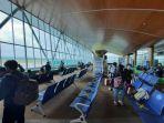 menunggu-pesawat-di-bandara-apt-pranoto-samarinda.jpg