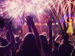 merayakan-tahun-baru-kembang-api.jpg