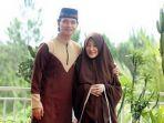 muhammad-alvin-faiz-dan-istri-larrisa-chou_20170410_192357.jpg