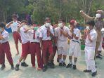 murid-sd-001-tanjung-selor-mengenakan-masker.jpg