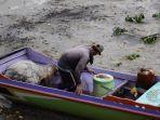 nelayan-yang-mendapatkan-bbm-subsidi-harus-memiliki-izin-kapal.jpg
