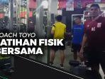 news-video-coach-toyo-dampingi-para-pemain-borneo-fc-lakukan-latihan-fisik-bersama.jpg