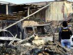 pabrik-mercon-terbakar_20171029_131951.jpg