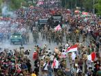 parade-juang-hari-pahlawan_20151110_125630.jpg