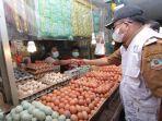 pasokan-telur-di-pasar-klandasan-balikpapan0.jpg