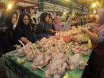 pedagang-ayam-pasar-pandansari_20180523_165639.jpg