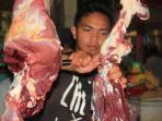 pedagang-daging-sapi_20150617_231638.jpg