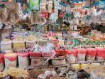 pedagang-sembako-di-salah-satu-pasar-tradisional-kota-balikpapan.jpg
