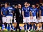 pelatih-timnas-italia-roberto-mancini-dan-para-pemain-timnas-italia.jpg