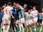 pemain-denmark-merayakan-gol-ke-gawang-rusia-di-euro-2020.jpg