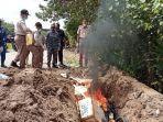 pemusnahan-600kg-ikan-ilegal-asal-malayasia-dengan-cara-dibakar-bertempat-di-tpi-tanjung-selor.jpg