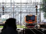 pengoperasian-commuterline-jakarta_20161103_122731.jpg