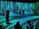 pengunjung-antusias-menyaksikan-aneka-digital-art-video-maping.jpg