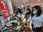 pengunjung-mall-samarinda-square-mengenakan-masker-akhir-pekan-saat-kaltim-steril.jpg