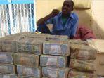 penjual-uang-di-somalia_20170616_235126.jpg