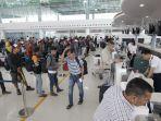 penumpang-padat-di-bandara-sams-balikpapan.jpg