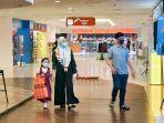 perbelanjaan-plaza-balikpapan-tertib-menggunakan-masker.jpg