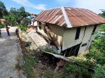 pergerakan-tanah-setelah-hujan-deras-membuat-bagian-jalan-nyaris-amblas-rumah-rusak.jpg