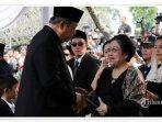 pertemuan-megawati-sby-saat-pemakaman-ani-yudhoyono2.jpg