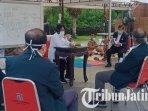 pertemuan-walikota-surabaya-tri-rismaharini.jpg