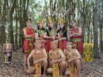 peserta-pelajar-dari-sanggar-seni-rebuntung-yang-ikut-dalam-internasional-festival-sopravista-italy.jpg