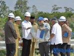 presiden-jokowi-bersama-sejumlah-menteri-meninjau-kawasan-bukit-soeharto-selasa-752019.jpg