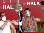 presiden-jokowi-dan-artis-raffi-ahmad-menerima-suntikan-vaksin-sinovac.jpg