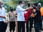 presiden-jokowi-memberikan-jaket-merah-ke-pemuda-ntt-9778.jpg