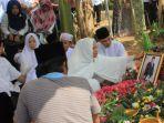 prosesi-pemakaman-sekda-kuakr_rahmat-taufiq_20180906_001313.jpg