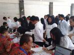 ratusan-peserta-skd-cpns-tator-melakukan-tahap-registrasi-ulang.jpg